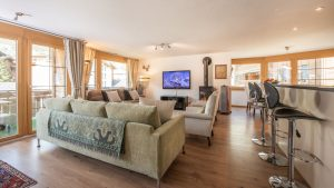 Open plan living/dining/kitchen with room for everyone