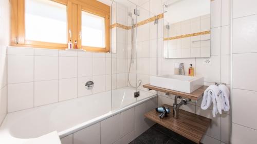Bedroom 2 en-suite bathroom with overhead shower